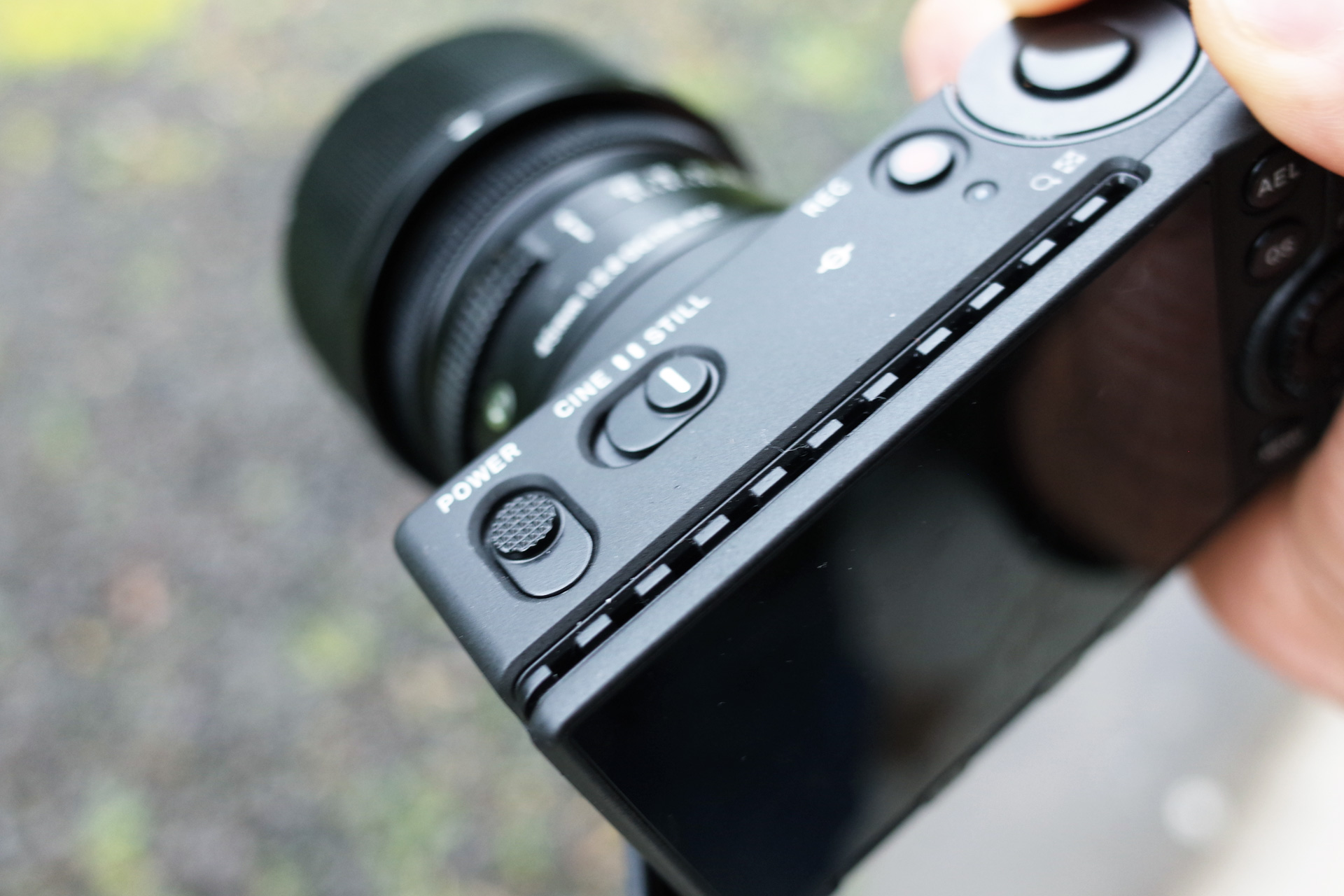 ミラーレスカメラ sigma fp