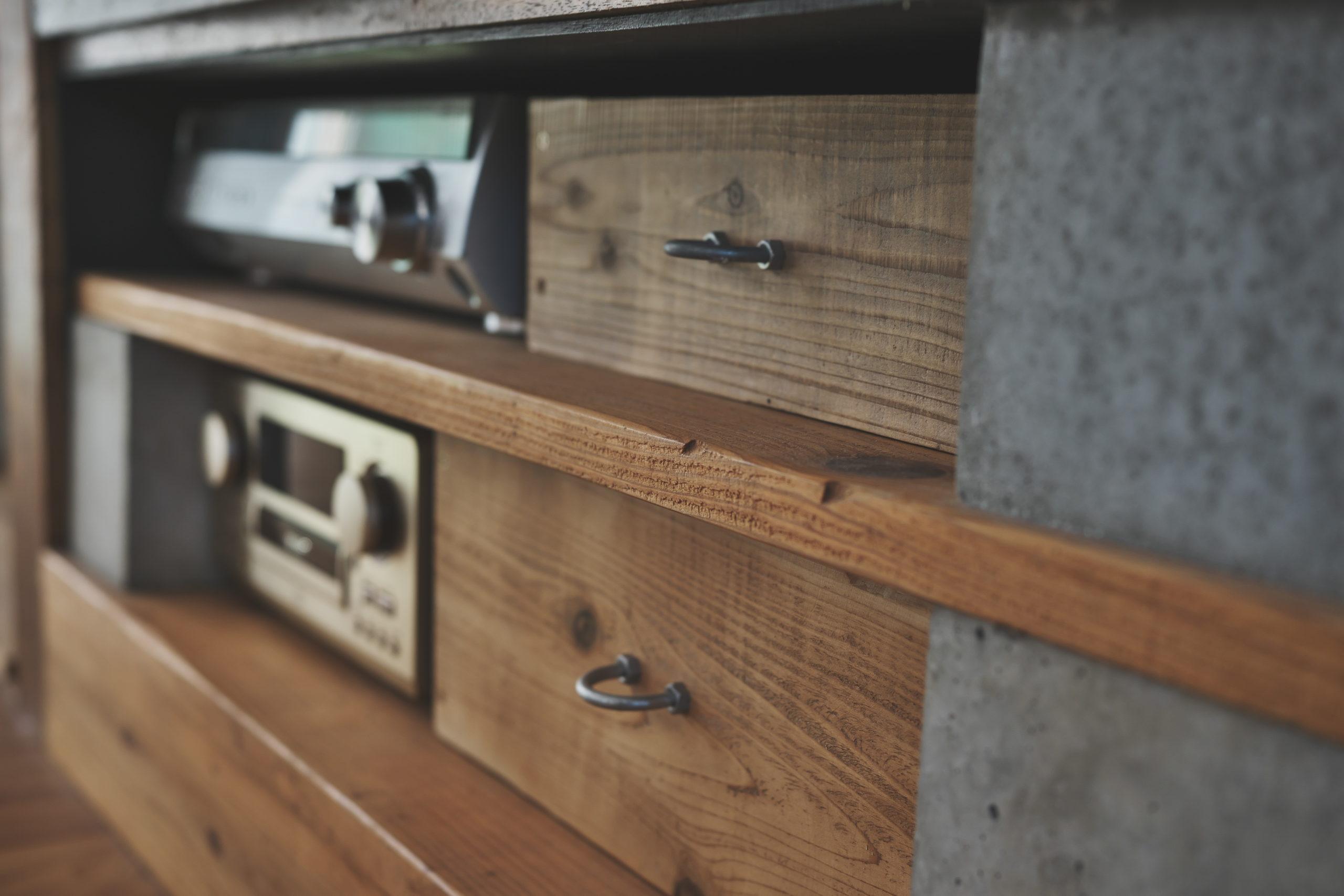 オーディオろ古材仕上げの収納箱DIY