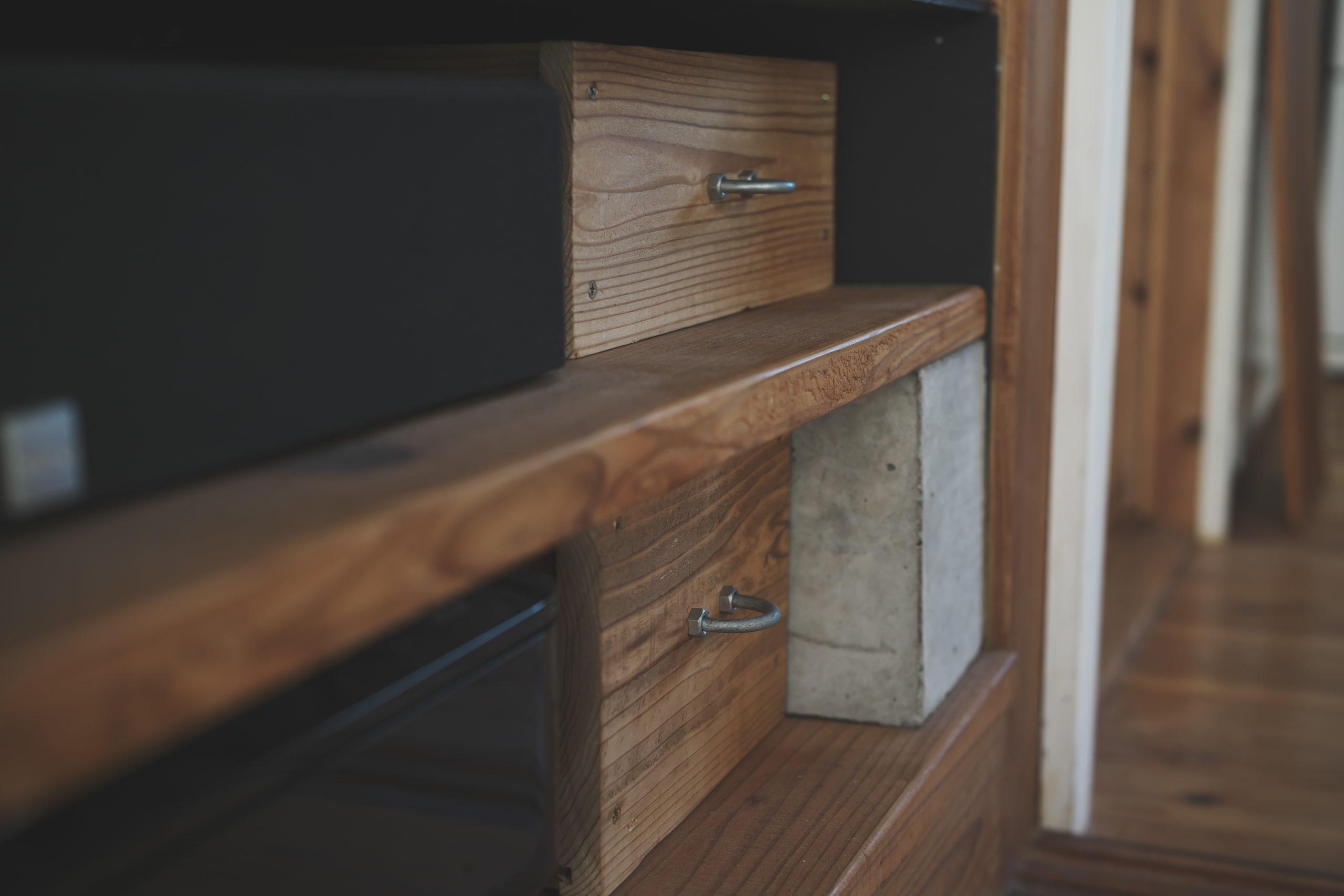 古材仕上げの収納箱DIY