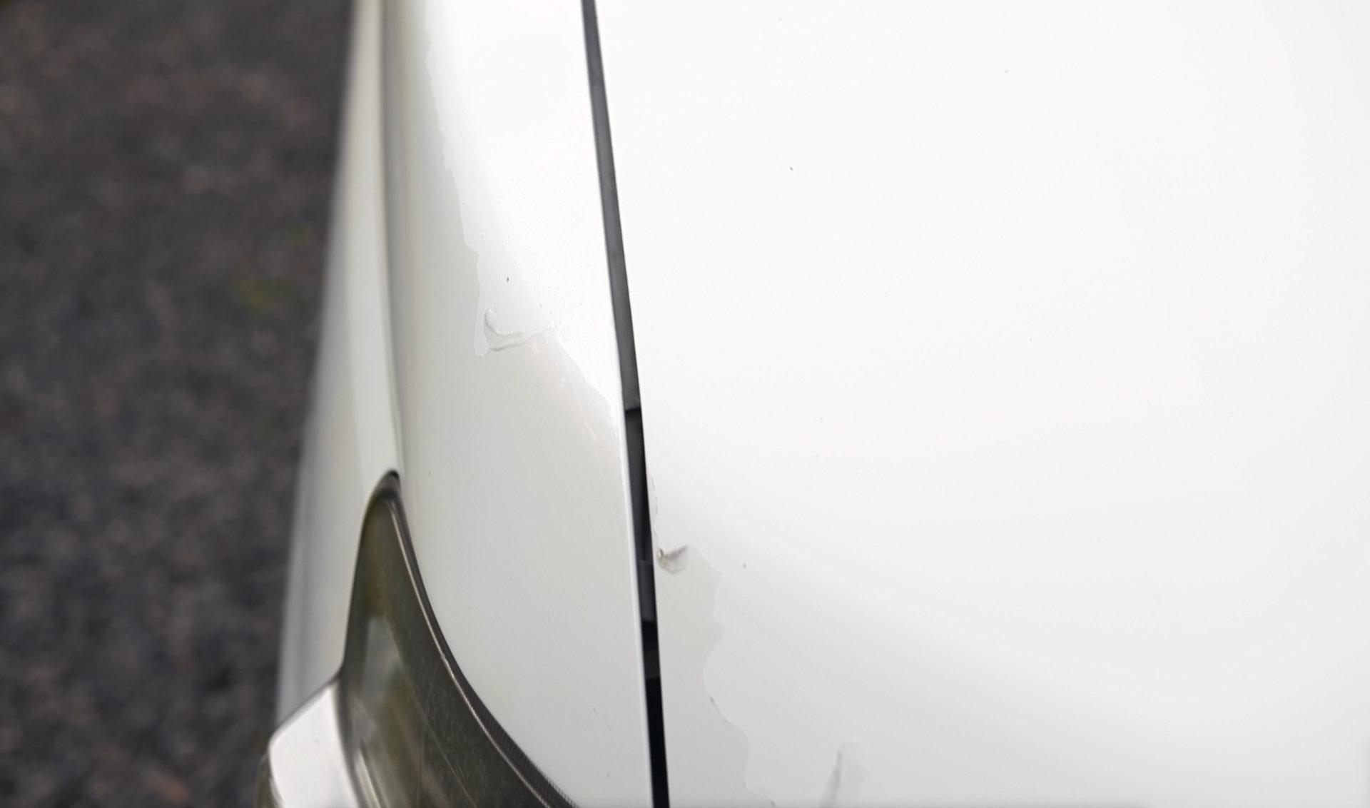 日産セレナ・ボンネットクリアー剥がれ|車塗装
