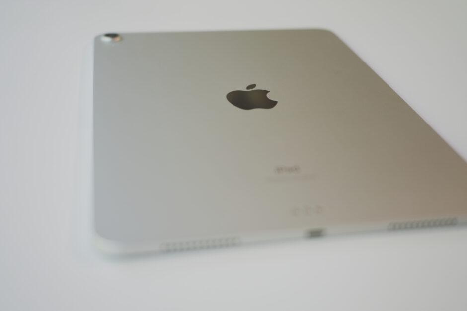 iPad Air4 (第4世代)ディテイル